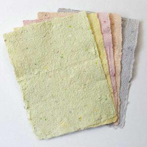 Handgeschept papier pastel
