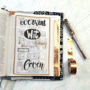 Wie overwint Openbaringen 5 vers 3 voorbeeld